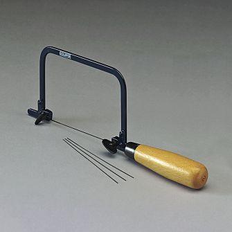 Piercing saw